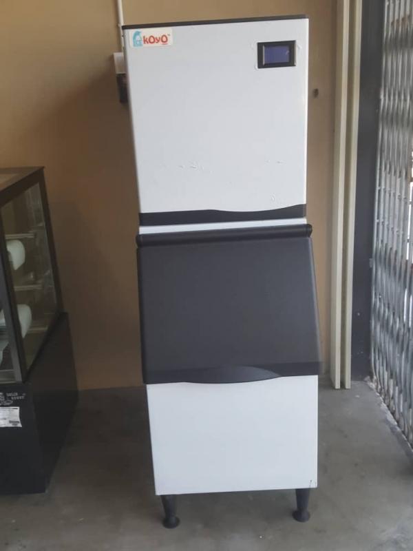 Koyo Ice Machine 210 for Customer : Xing Fu Tang Kuantan Pahang
